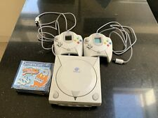 Sega Dreamcast Console with 2 controllers + 2 games