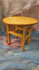 MESA redonda de madera, Modelo Roundtable, color embero, 50 cms. diámetro