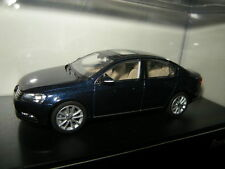 1:43 Schuco VW Passat B7 Typ 3C Limousine blau/blue OVP