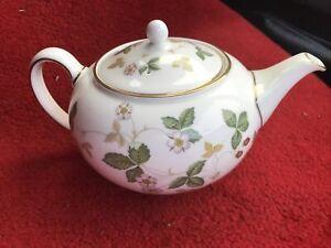 Wedgwood Wild Strawberry Teapot Vgc