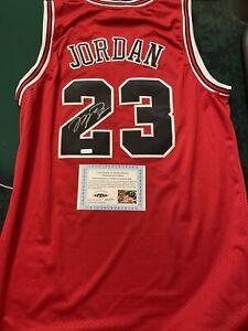 Michael Jordan Signed Autographed Chicago Bulls Jersey Certified