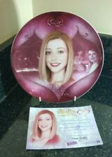 More details for buffy the vampire slayer lives & loves willow & tara collectors plate boxed