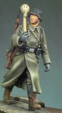 1/35 Scale WWlI German Soldier With Panzerfaust Resin Model Kit (1 Figure)