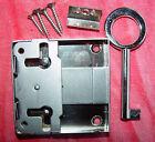 links und für Schublade verwendbar Dornmaß 30 mm#00552 Aufschraubschloss rechts