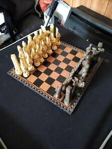 Roman Style Chess Set With Leather Board