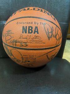 1997/98 Chicago Bulls Team Signed Basketball 12 signatures No COA MJ, Pippen etc