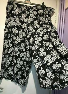 NEW LOOK CURVE Black & White Floral Long Culottes Shorts / Trousers PLUS Size 28