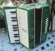 Altes Akkordeon mit Koffer USSR Harmonika, Ziehharmonika Vintage