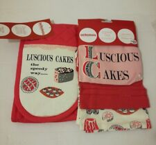 Good Housekeeping Double Oven Gloves + 3 Pack Tea Towels 100% Cotton Steam Stop