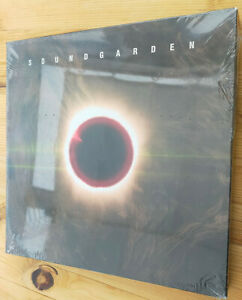 "SOUNDGARDEN ""Superunknown - The Singles"" 5 x 10 INCH VINYL BOX RSD 2014"