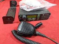 Motorola XPR4550 UHF 403-470 Radio AAM27QPH9LA1AN w/ Brkt New Power Cord Mic #B