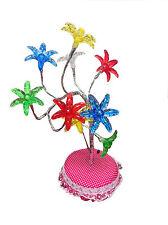 Mehrfarbige Tisch- und Regaldekorationen für Kinder
