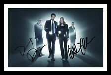 THE X-FILES - DAVID DUCHOVNY & GILLIAN ANDERSON SIGNED & FRAMED PP POSTER PHOTO