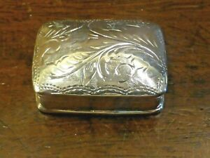 EXCELLENT HALLMARKED 1992 solid SILVER small ENGRAVED PILL BOX - 10gms