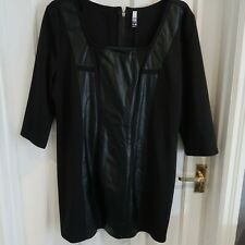 HENRY HOLLAND BLACK DRESS WITH FAUX LEATHER DETAIL SIZE 18