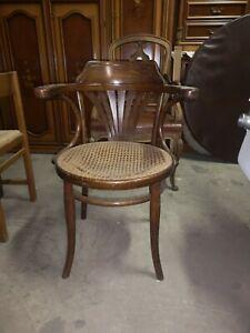 Sedia poltroncina  thonet in faggio seduta in paglia di Vienna primo '900