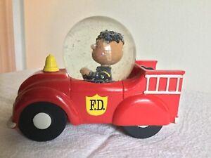 "Hallmark Peanuts ""Franklin""  Fire Engine Truck Snow Water Globe"