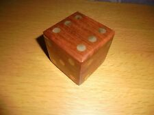 VINTAGE WOODEN BRASS INLAY DICE SHAPED BOX CONTAINS 4 DIE ALSO WITH BRASS INLAY