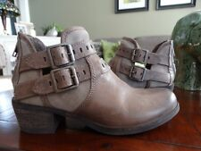 UGG PATSY LEATHER ANKLE BOOTS PRIMER 6