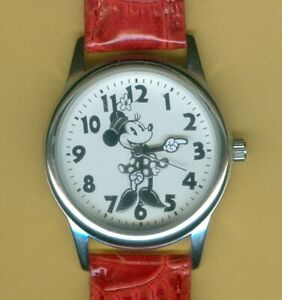 STUNNING Accutime MN1549SR Disney's MINNIE MOUSE Watch