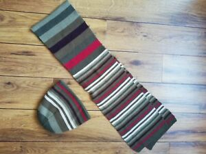 BHS Mens beanie hat and scarf set, grey/red/white striped