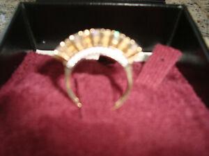 Echt gold 585 Ring mit Steinen massiv etwas besonderes - wie NEU