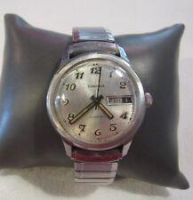 Caravelle  Self-winding mens Watch vintage watch works great F83