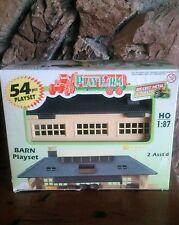 Vintage Smart Toys HO 1:87 Scale Barn 54 pcs Playset