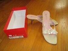 New Ladies Anne Klein Cream Izzy Flower Open Toe Leather Heels Sandals Size 10M