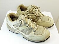 Cabelas hiking shoes  womens size 10 D heavy duty leather and fabric tan