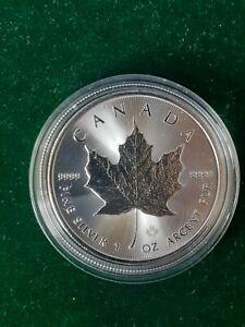 2021 Uncirculated 9999 1oz Fine Maple Leaf Silver Bullion coin IN CAPSULE. M1