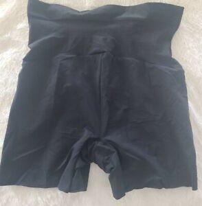 SPANX Everyday Shaping Panties Mid-Thigh Shorts P Black