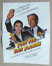 AFFICHETTE 54 X 40 CM DU FILM TOUT FEU TOUT FLAMME - ADJANI MONTAND - 138