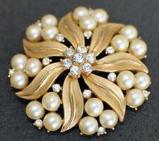 ABSOLUTELY GORGEOUS SIGNED TRIFARI CROWN Goldtone BROOCH PEARLS&RHINESTONES #07