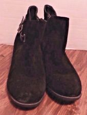 Sonoma Women's black boots-zip up ankle boots-Size 9 1/2