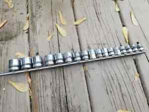 """Used 17-piece Snap-On Tools Metric 6-point 3/8""""-drive Shallow Socket Set"""