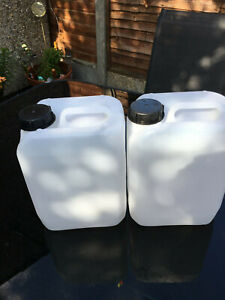 10 x   5 Litre Plastic Jerry Can 5L Water Carrier With Screw Top used condition
