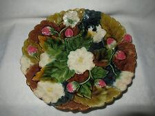 Ancienne coupe sur piedouche barbotine fraise ORCHIES Diamètre 24,5cm