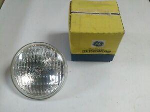 New 7613 Incandescent Sealed Beam Lamp, GE, Wagner Lighting, 6 VOLT, Emergency