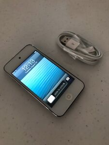 iPod Touch 4th Generation 8 GB 16 GB 32 GB - 100% Tested - Black/White