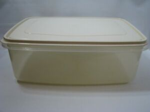 Vtg Rubbermaid Servin Saver #8 33 Cup Rectangular Storage Container Almond Large