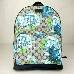 Gucci Unisex Blue GG Supreme Canvas Bloom Floral Medium Backpack 546324 8496