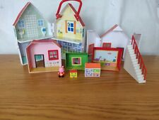 Peppa Pig Stackable Town House 6 In 1 Plus Peppa Figure