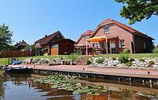 Neues luxuriöses Ferienhaus bei Greetsiel Nordsee Ostfriesland direkt am Wasser