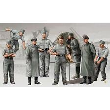 Trumpeter Morser Artillery Crew Kit 1:35 Scale