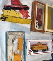 HO 6 Car Lot & Extra Parts Bachmann Athearn Tyco Mixed Maker Caboose Box Stock
