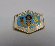 Vintage National Association of women's clubs Enamel Badge .