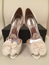 Women Shoes Badgley Mischka Musica Satin Pumps Size 9M