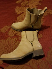 Rocket Dog Beige Pull On Ankle Women's Boot Size 7.5