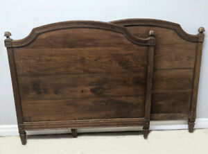 SUPERB FRENCH ANTIQUE LOUIS XVI STYLE SOLID WOODEN SINGLE DAYBED - c1840s